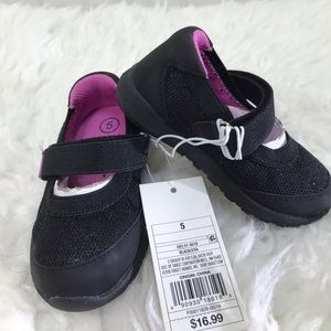 Toddlers shoes